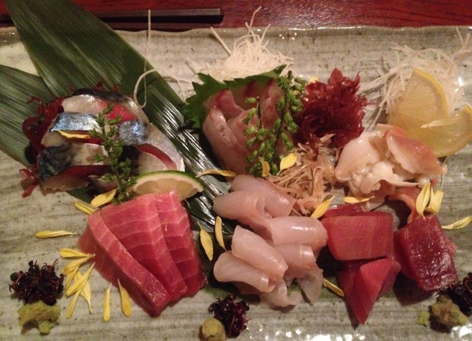 14restaurant3_sashimi.JPG