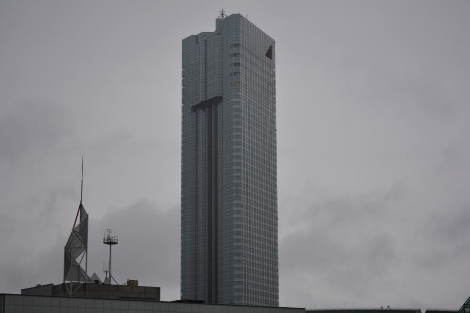 36-hotelimregen.JPG