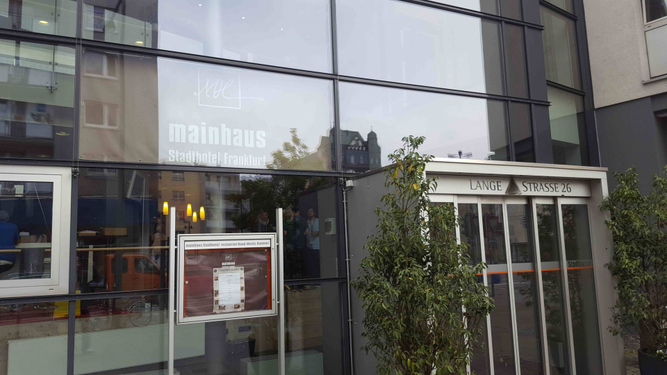 01-Mainhaus_Hotel.jpg