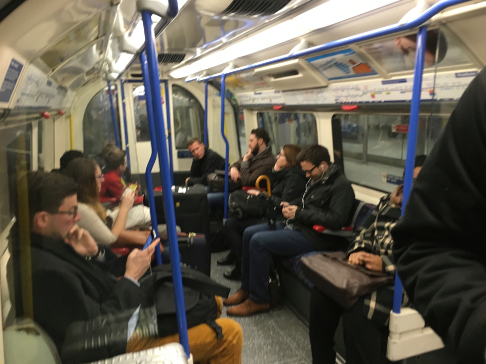 London07_Tube_1.jpg
